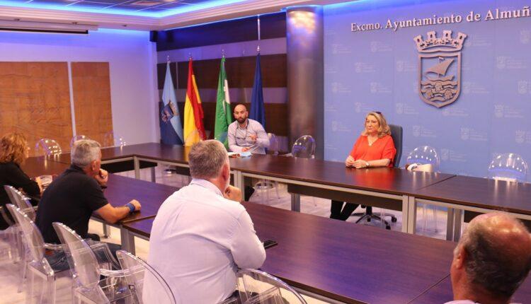 Reunión Ayuntamiento de Almuñécar y Asociación de Chiringuitos.