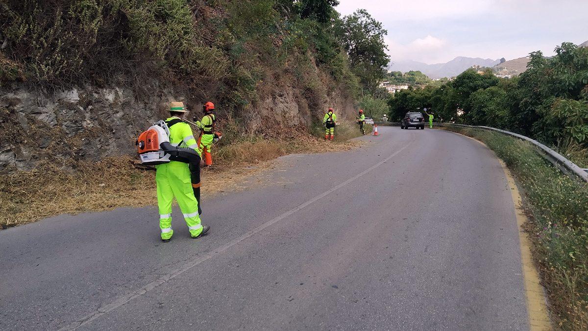 Carretera Suspiro del Moro a su paso por Torrecuevas.