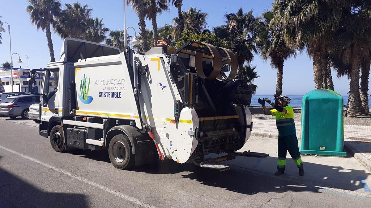 Recogida de residuos en Almuñécar.