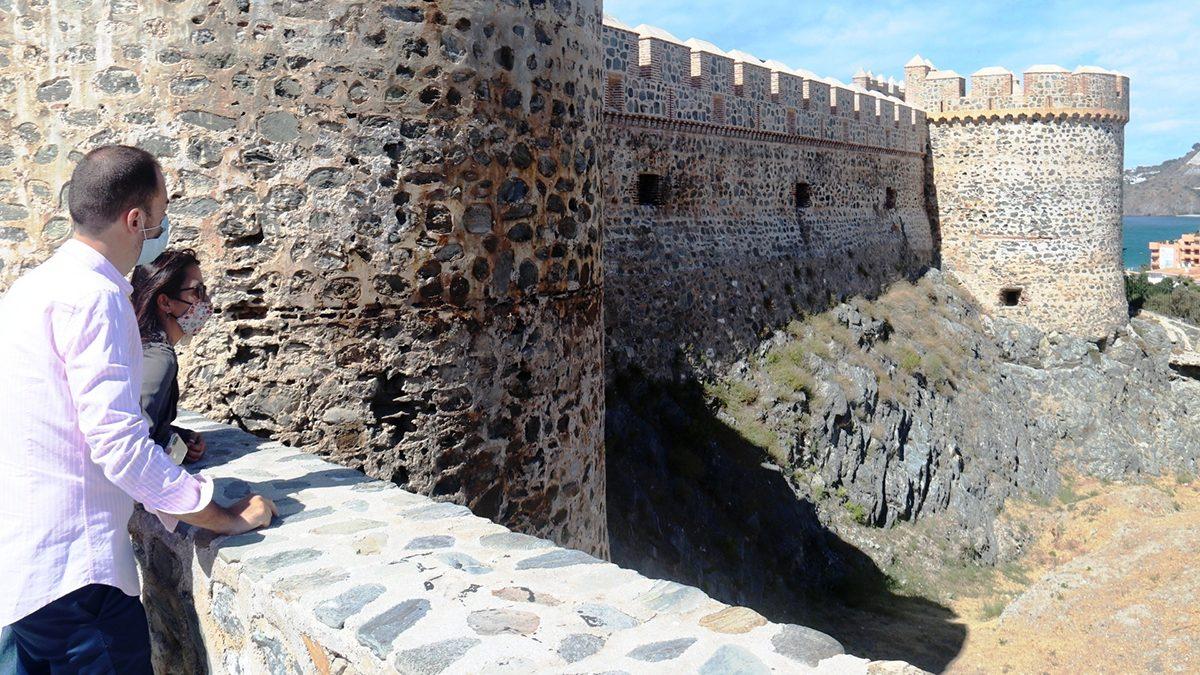Murallas Castillo de San Miguel.
